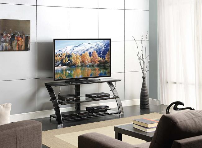 La forme et le matériau inhabituels du produit donneront une touche moderne au design discret du salon.