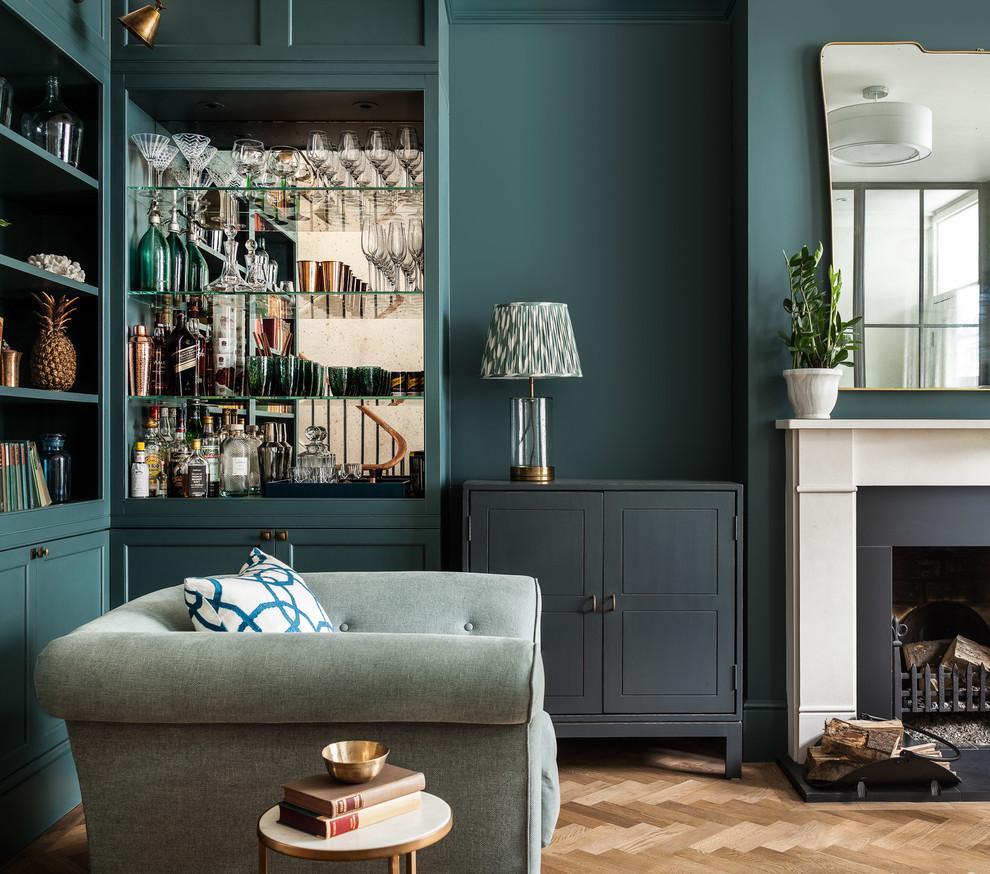 Design de salon chic dans des couleurs pastel sombres