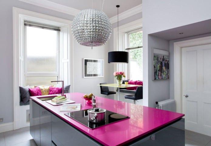 dessus de table rose
