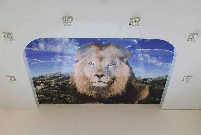 plafond avec une image d'un lion