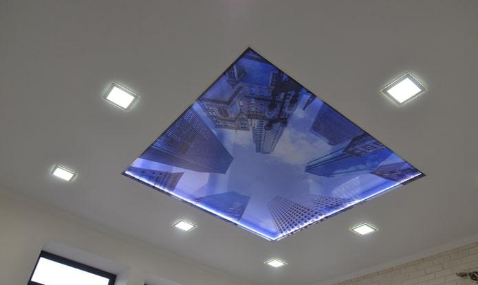 plafond avec panorama sur la ville