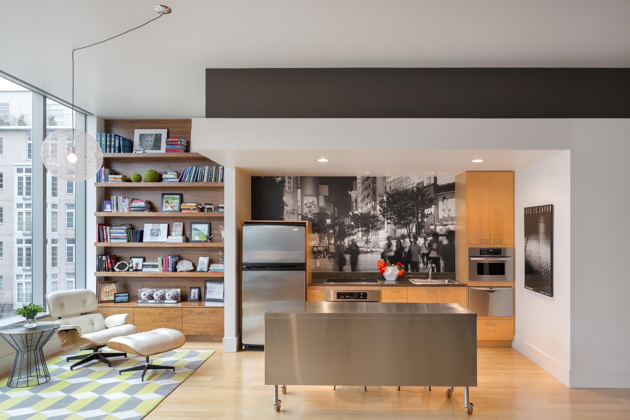 Magnifique intérieur de la cuisine-salon, décoré dans un style moderne