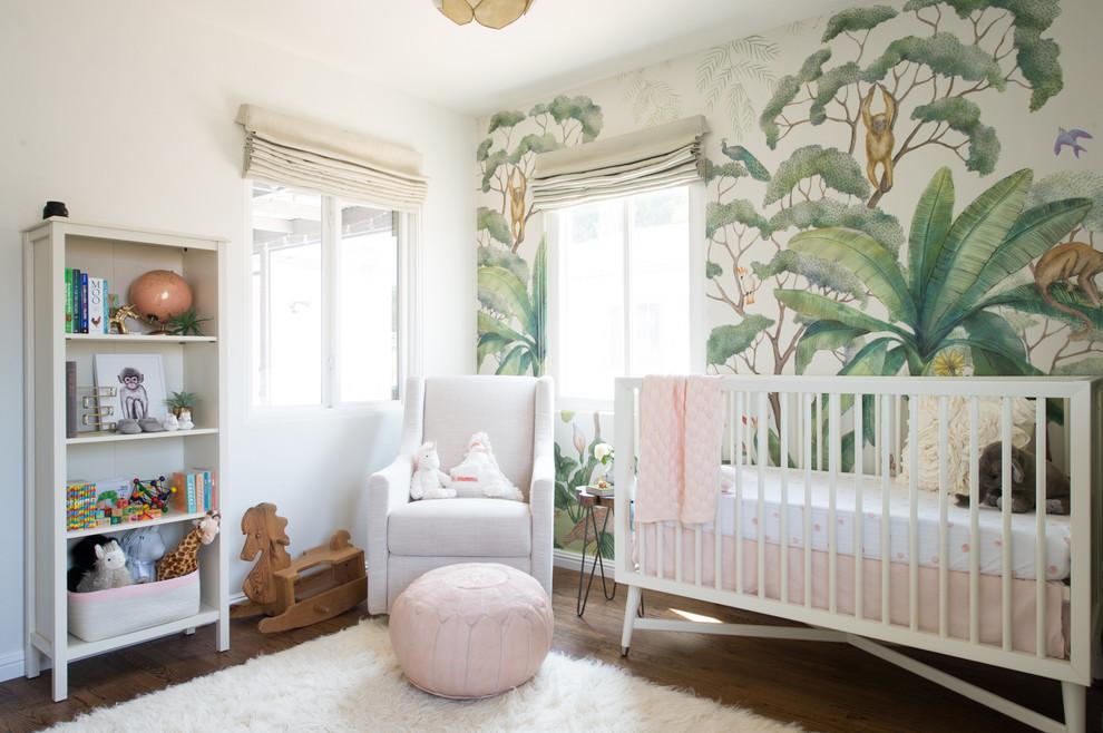Les photos murales représentant une jungle de conte de fées sont parfaites pour une chambre d'enfant