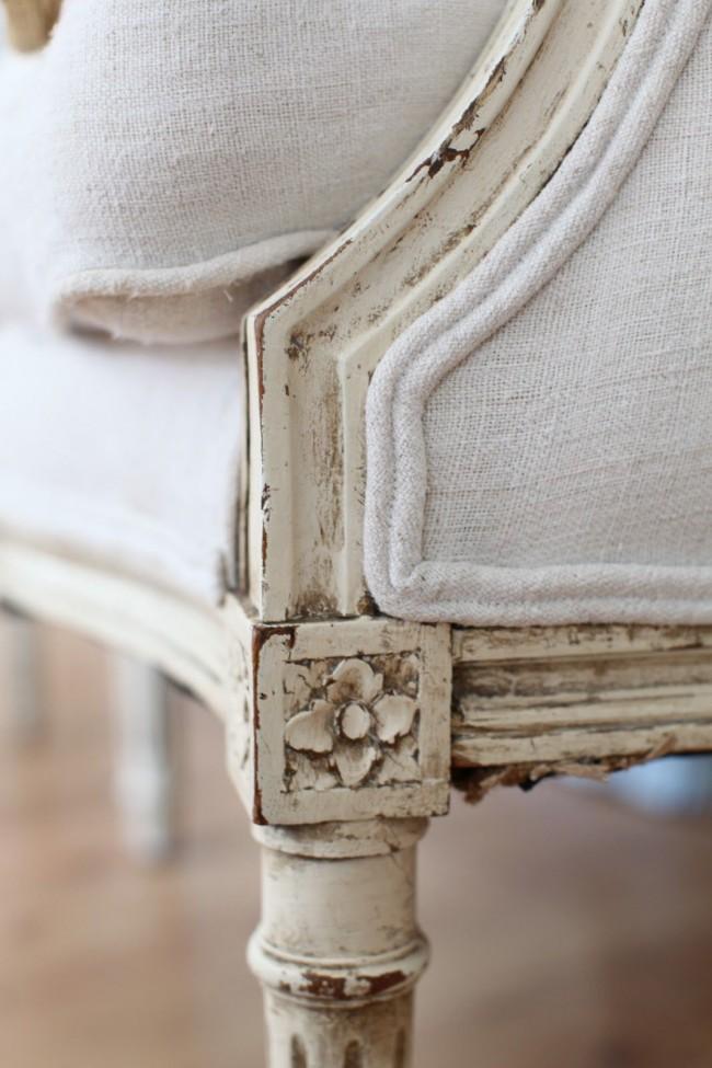Patine sur les meubles en bois se bouchent