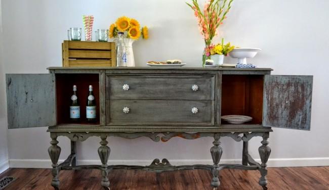Ne vous précipitez pas pour jeter les vieux meubles, après un petit travail dessus, il saura compléter votre intérieur.