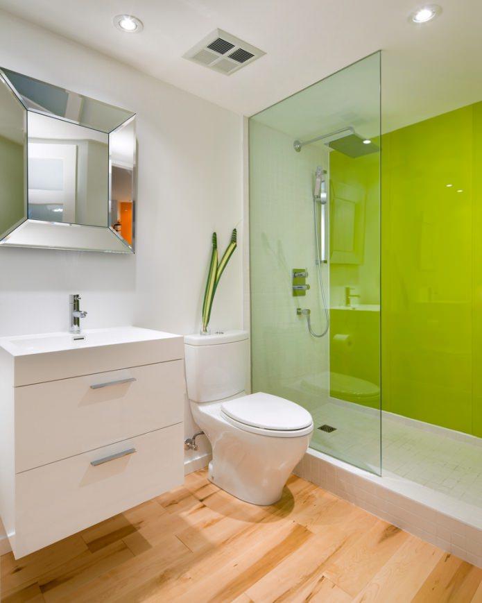 mur d'accent dans la salle de bain