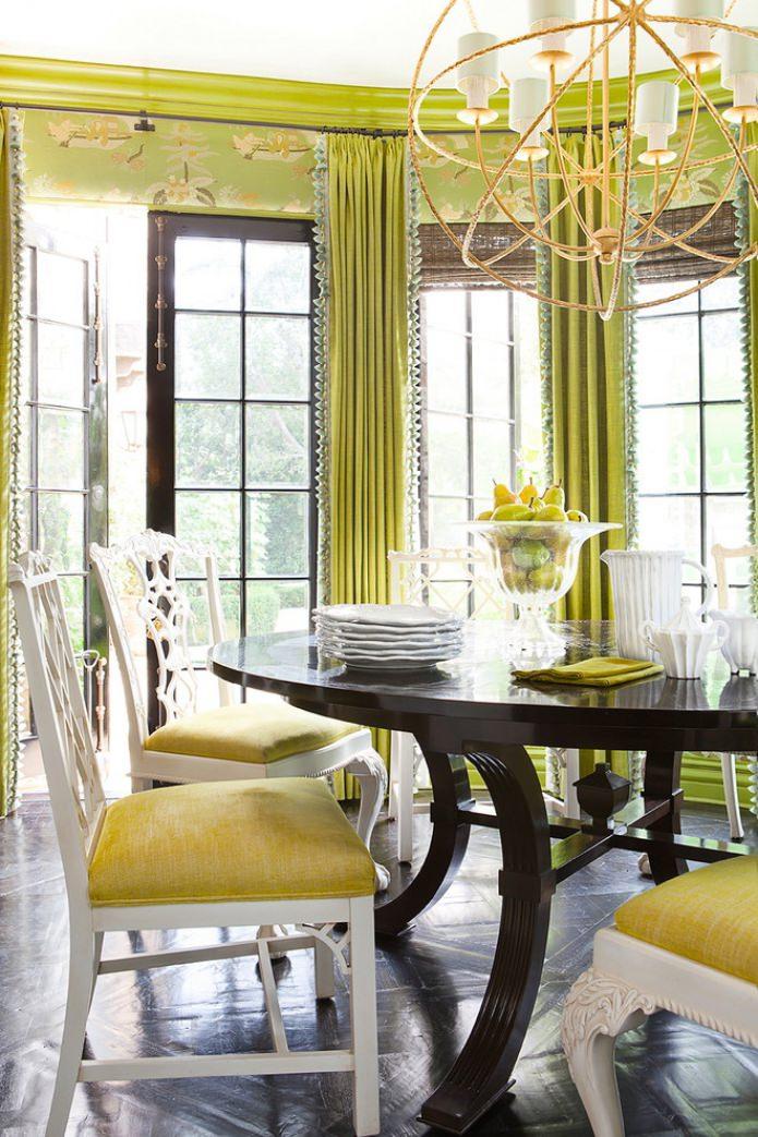 papier peint et rideaux de couleur vert clair