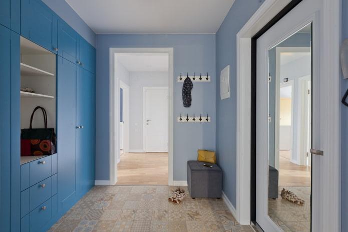 arc à l'intérieur d'un petit couloir