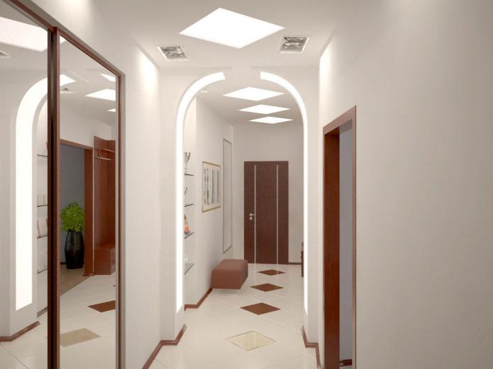 arche rétroéclairée à l'intérieur du couloir