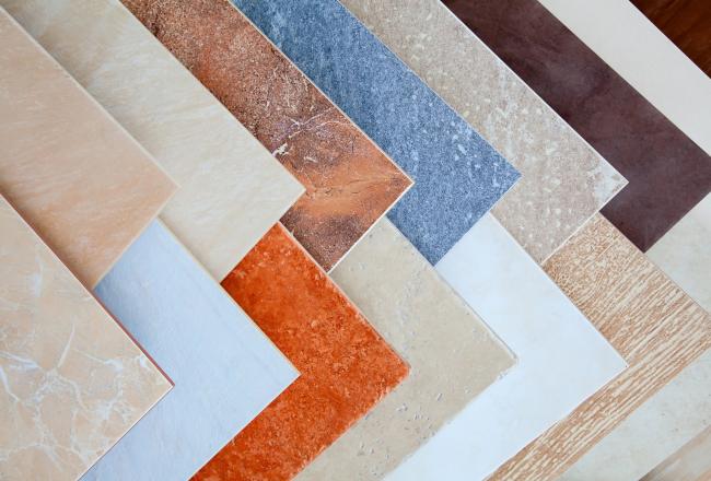 Lors de la décoration des murs, la résistance du matériau ne joue pas un rôle particulier
