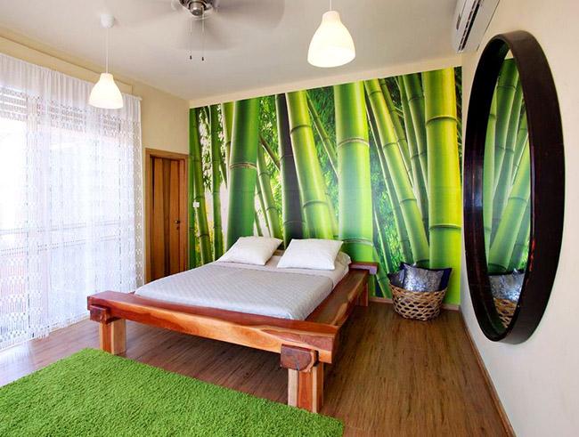 Le lit en bois s'intégrera parfaitement dans n'importe quel intérieur et soulignera le goût esthétique du propriétaire