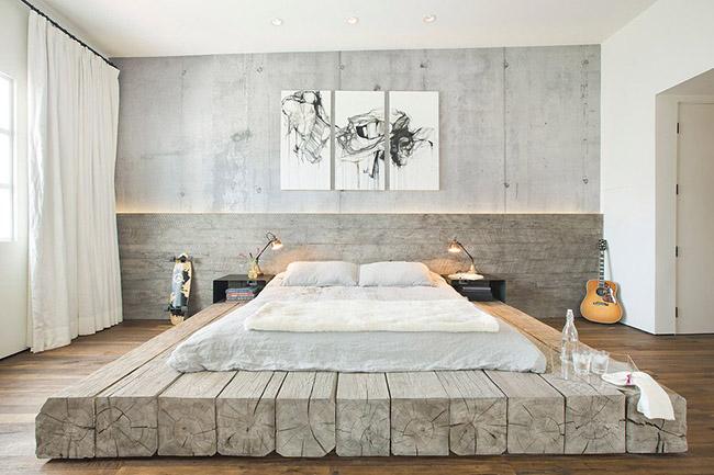 Un minimum de détails et un maximum d'espace pour le repos est l'avantage d'un tel lit en bois.