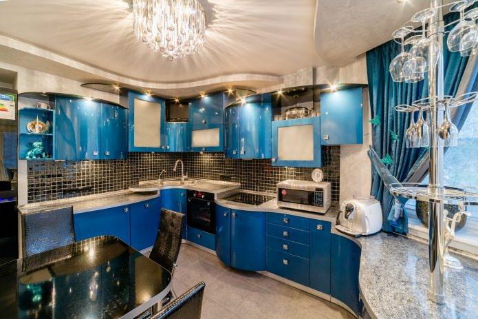 Intérieur beige et bleu de cuisine moderne