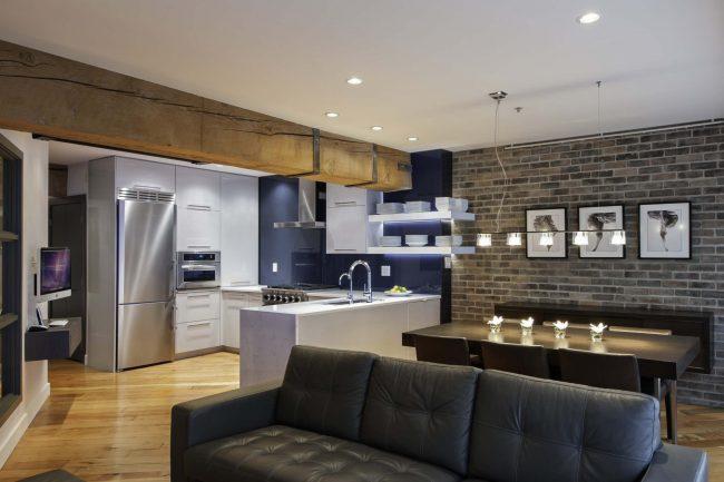 Canapé droit gigogne dans un intérieur moderne