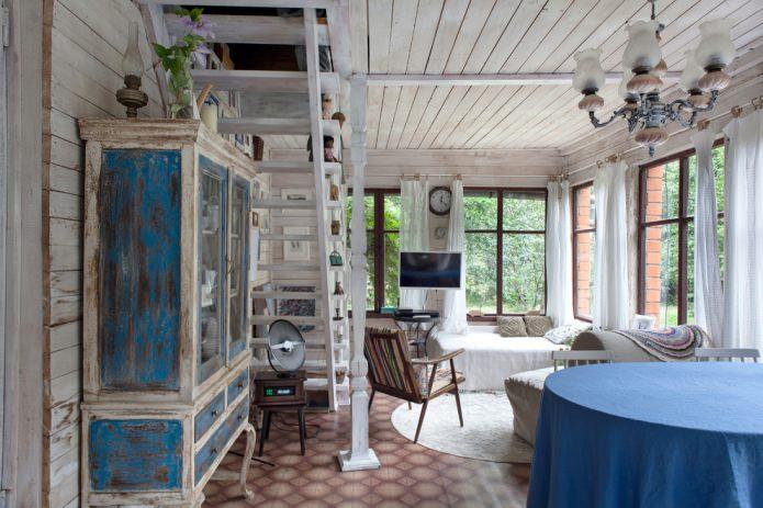 décor d'une maison de campagne à l'intérieur