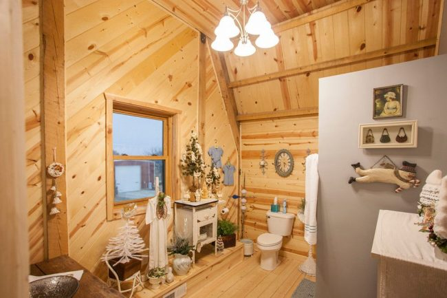 L'option de construction optimale, notamment un plafond hors normes, correspondant aux souhaits des propriétaires.  Caractéristique intérieure - Décor de fête du Nouvel An