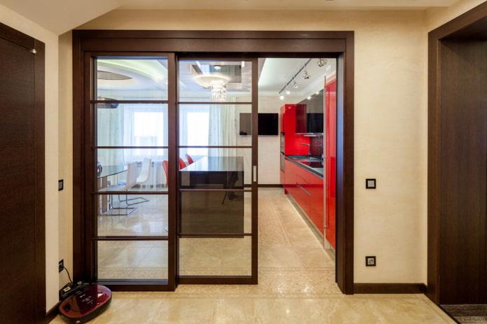 portes coulissantes de couleur wengé à l'intérieur