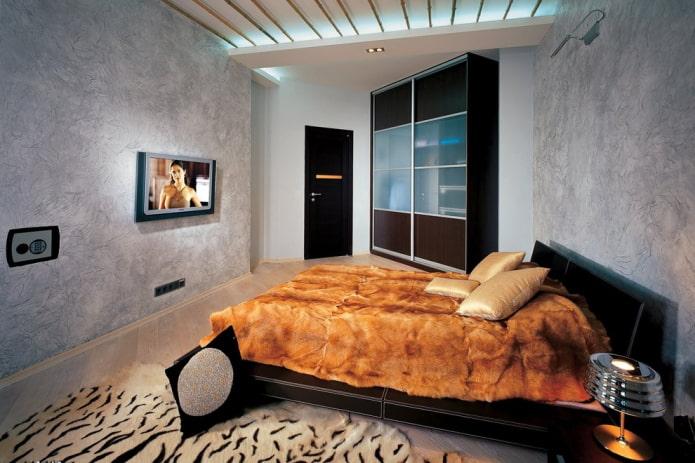 portes de couleur wengé combinées avec des plinthes à l'intérieur