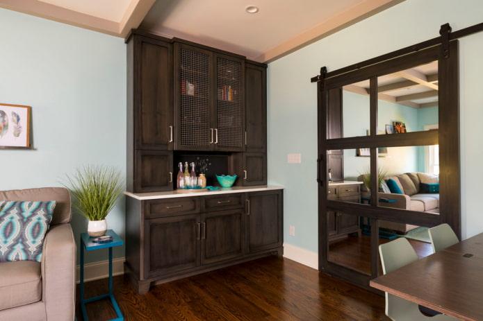 portes de couleur wengé avec un miroir à l'intérieur