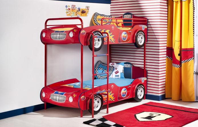 voiture à lits superposés dans la pépinière