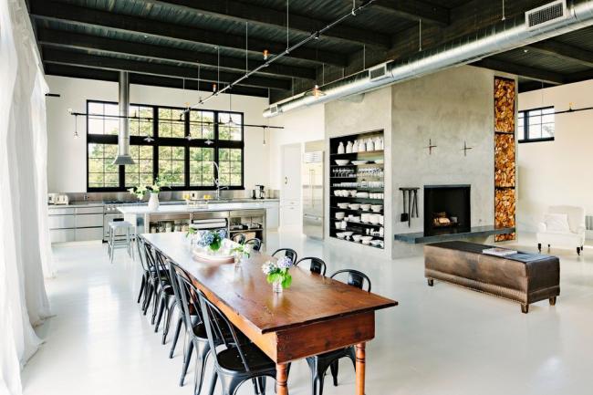En règle générale, une cuisine loft est combinée avec un salon ou une salle à manger.