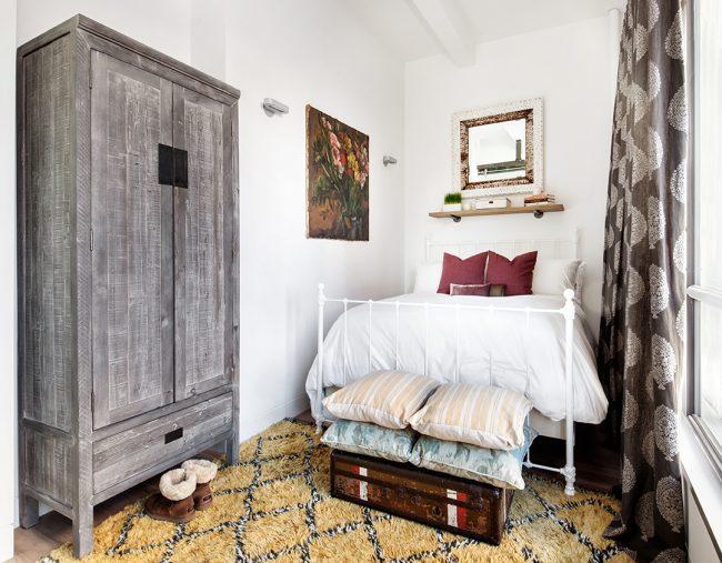 Chambres de style campagnard avec des décorations à thème