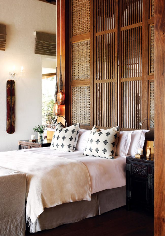 Le tissage de bambou en tête de lit soulignera le style choisi
