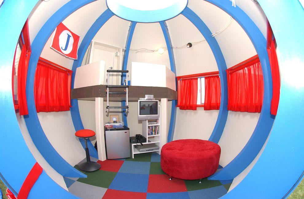 Grande maison de jeu en forme de boule