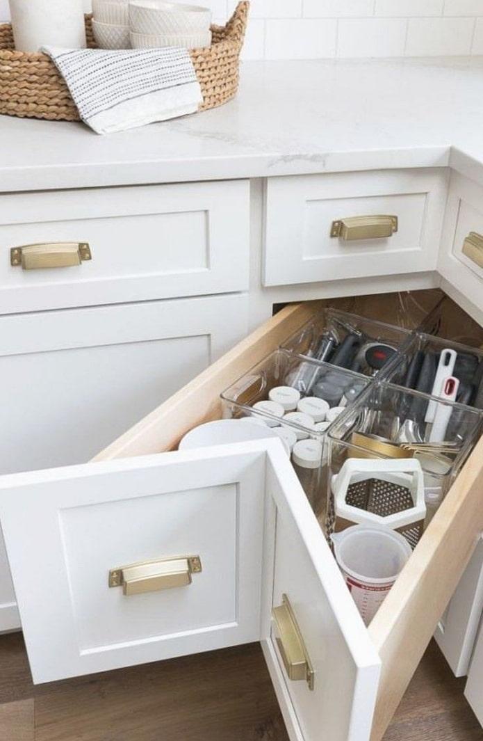 tiroirs de cuisine d'angle