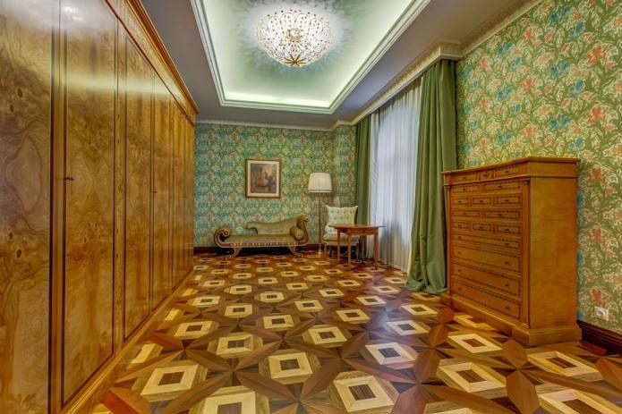 papier peint en papier avec un motif de couleur dans un intérieur classique