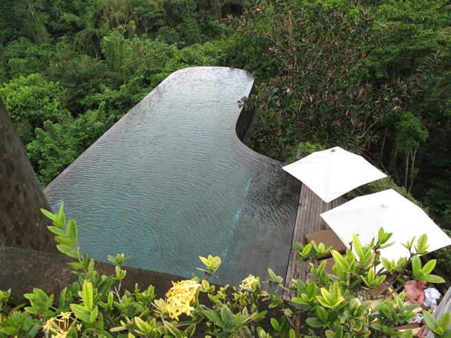 Intérieur de piscine