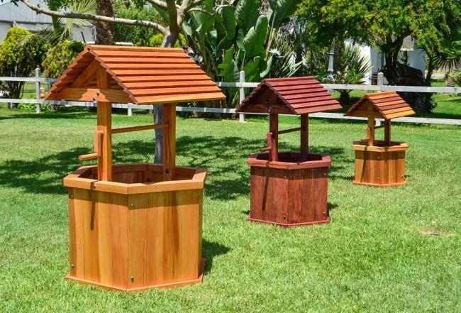Les puits décoratifs prêts à l'emploi sont chers et ne diffèrent pas par leur originalité