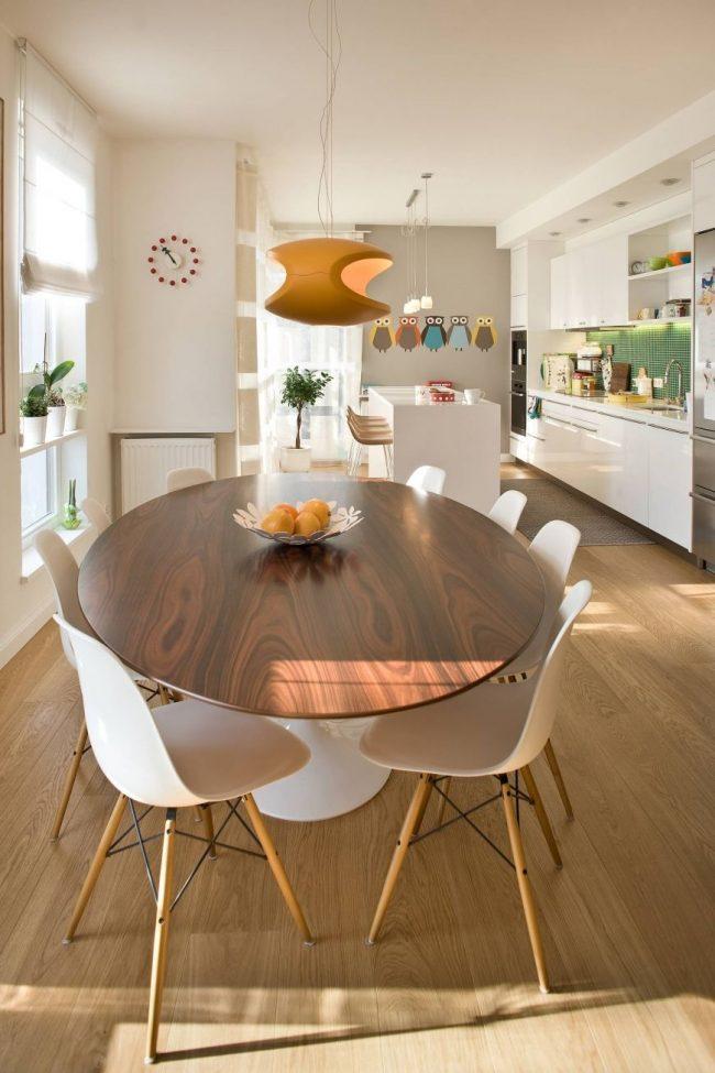 Table en aggloméré - une option pratique et bon marché dans la cuisine