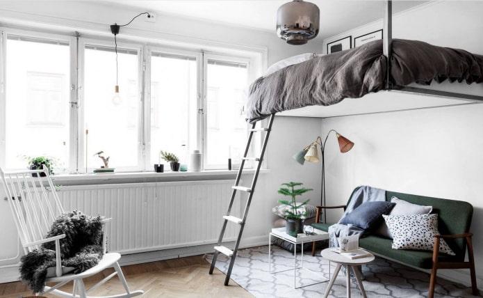 lit sous le plafond