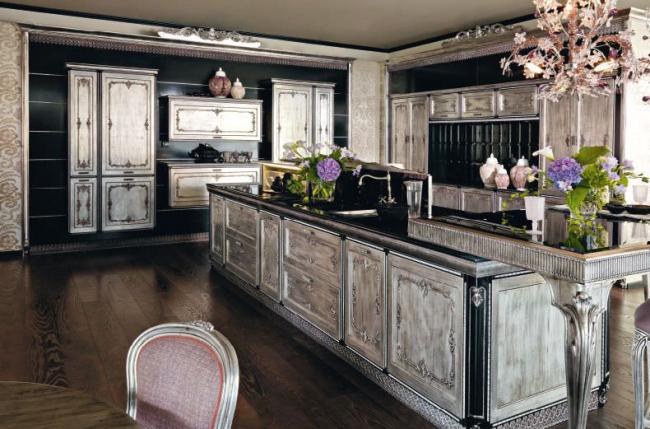 Ce style convient à la décoration de pièces spacieuses.
