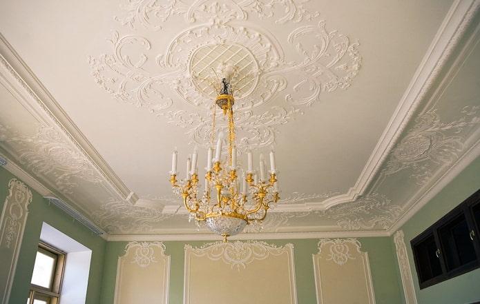 moulure de plafond en polystyrène