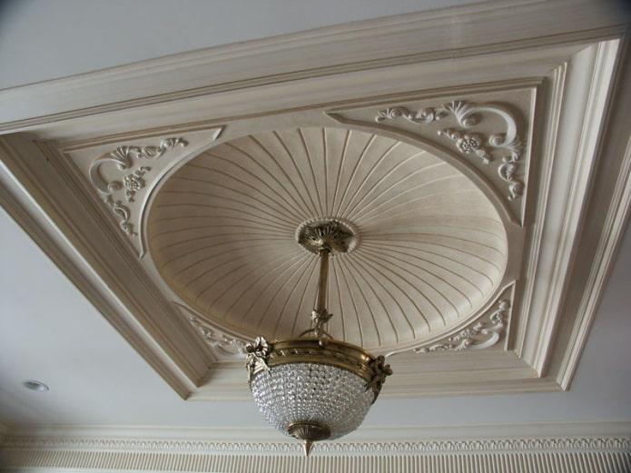 dôme moulé au plafond