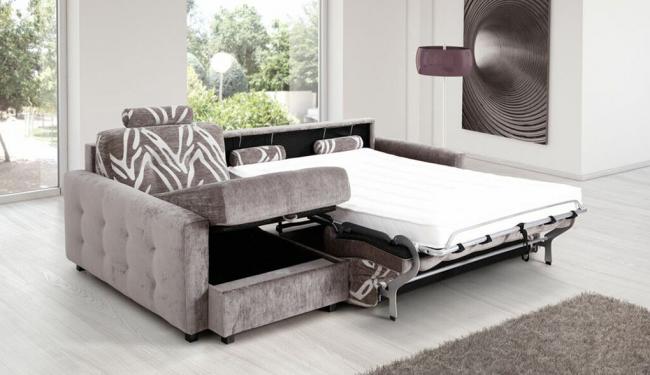 La combinaison parfaite des nuances de canapé et de l'intérieur de la pièce