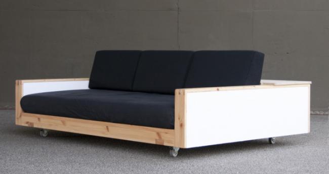Exécution intéressante d'un canapé classique