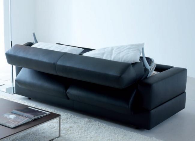 La housse de canapé la plus pratique est en cuir