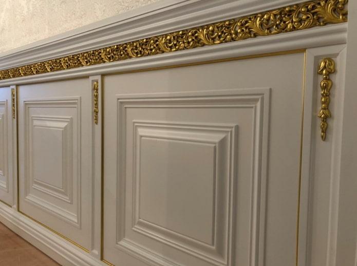 décoration murale dans un style classique