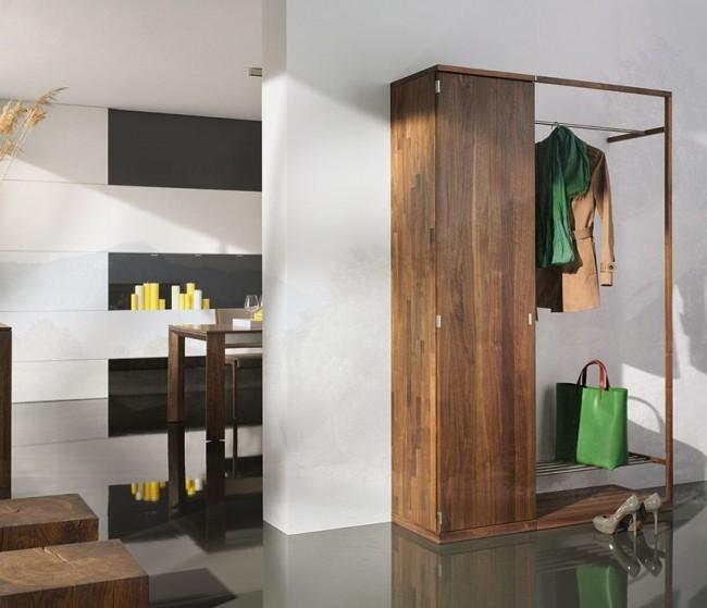Armoire élégante et compacte dans le couloir