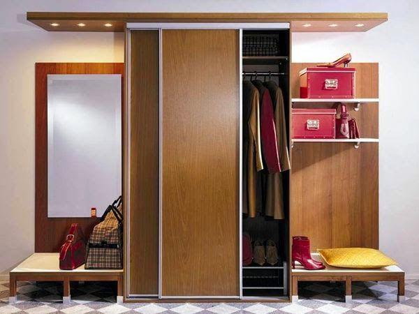Armoire coulissante - la solution optimale pour un petit couloir