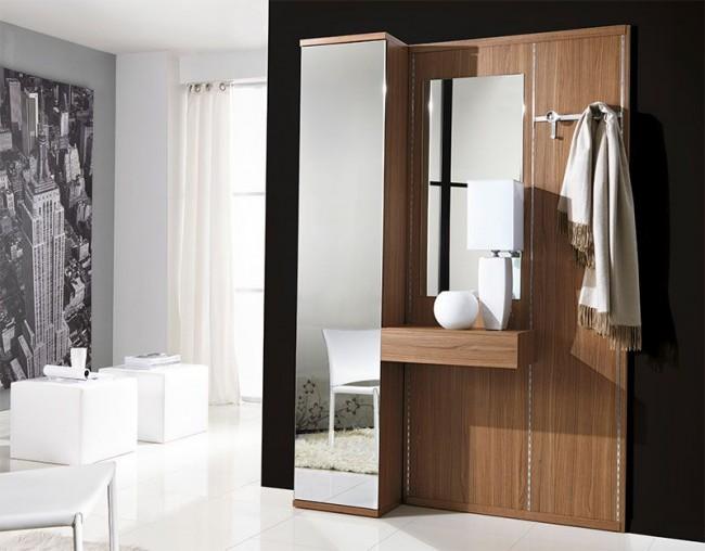Une armoire avec des portes en miroir agrandira visuellement l'espace