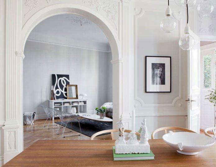 arche intérieure en plâtre blanc
