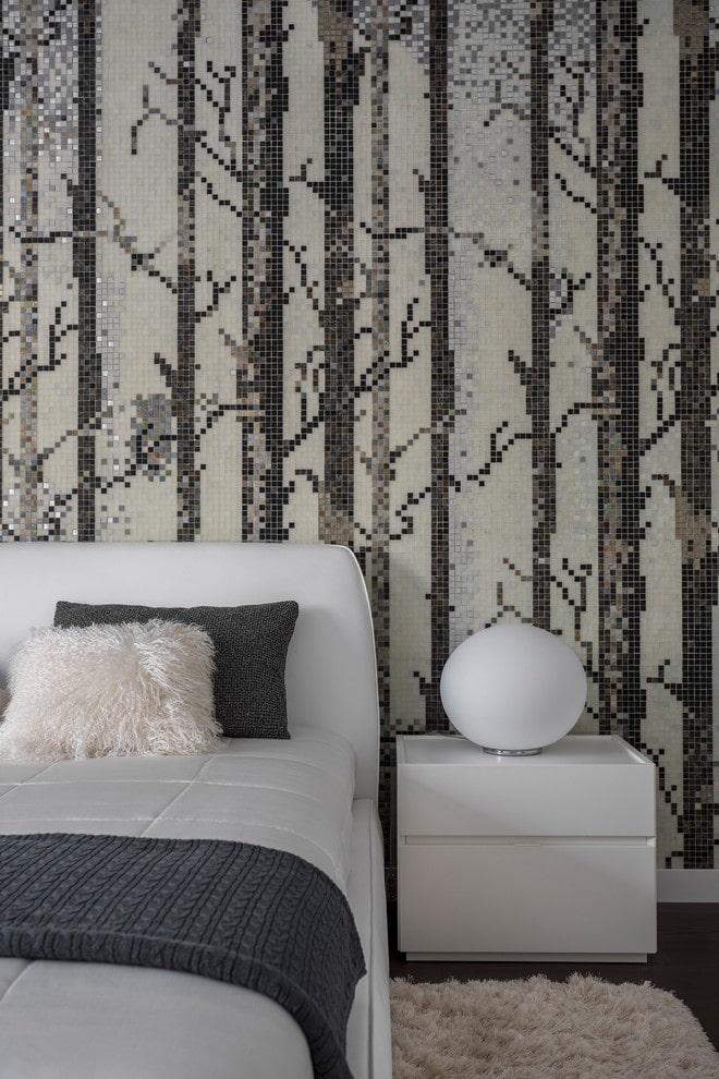 mosaïque sur le mur de la chambre