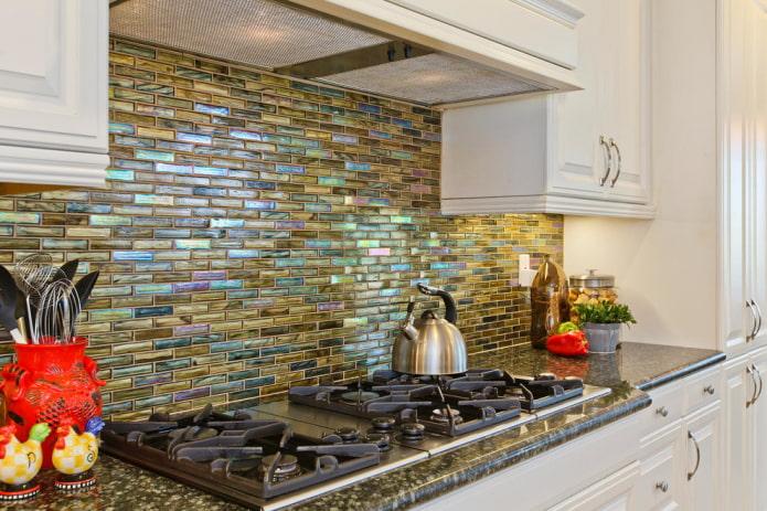 carreaux de mosaïque smalt dans la cuisine