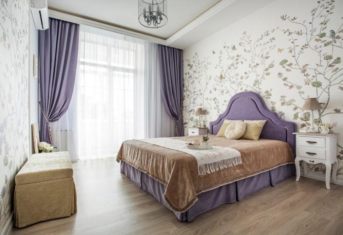 rideaux de nuit lilas dans la chambre