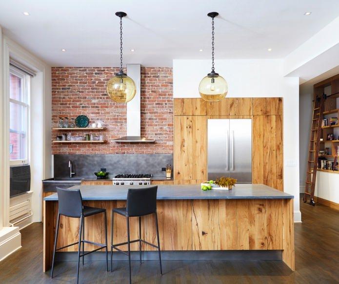 Brique et bois dans la cuisine