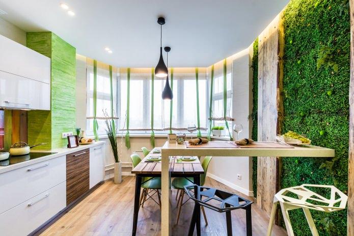 Mur écologique fait de planches et d'herbe